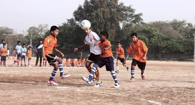 football inmarathi