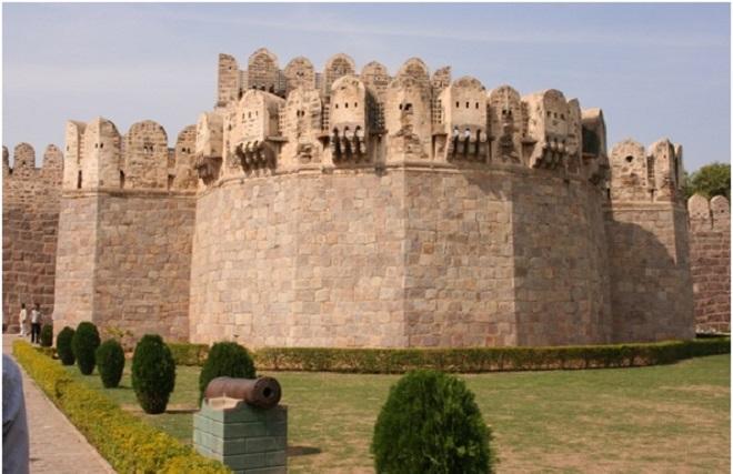 golconda fort inmarathi2
