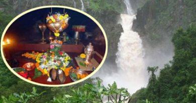 निसर्गाच्या सानिध्यातील स्वयंभू शिवशंकर! रत्नागिरीतल्या नयनरम्य मंदिराला भेट द्याच