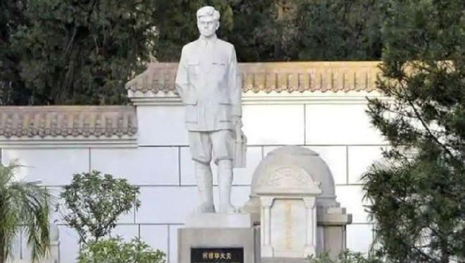 dr kotnis statue inmarathi