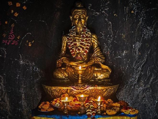 durgehwari caves inmarathi