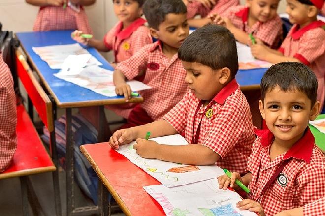 kg-students-inmarathi