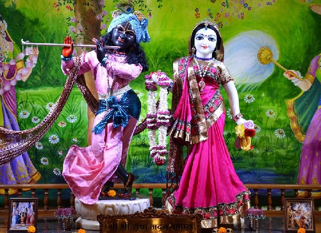 radha-gopal-inmarathi