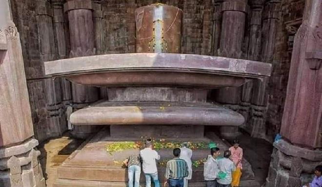 bhojeshwar temple shivling inmarathi