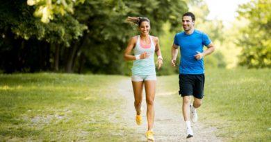 रोज नियमित जॉगिंग-चालण्याचे हे आहेत ८ आश्चर्यकारक फायदे