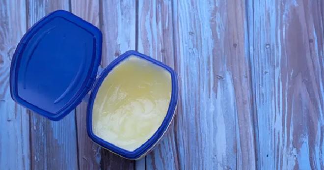 vaseline aka petroleum jelly inmarathi