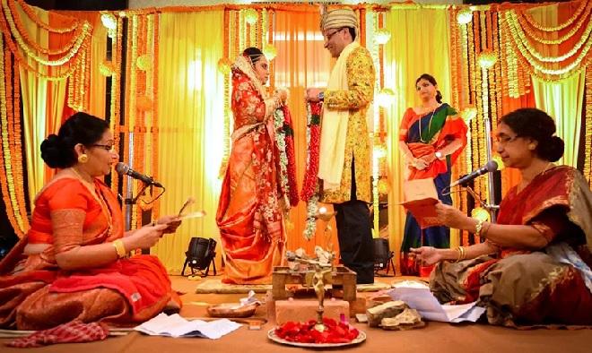 hindu female priest inmarathi