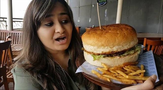 eating burger inmarathi