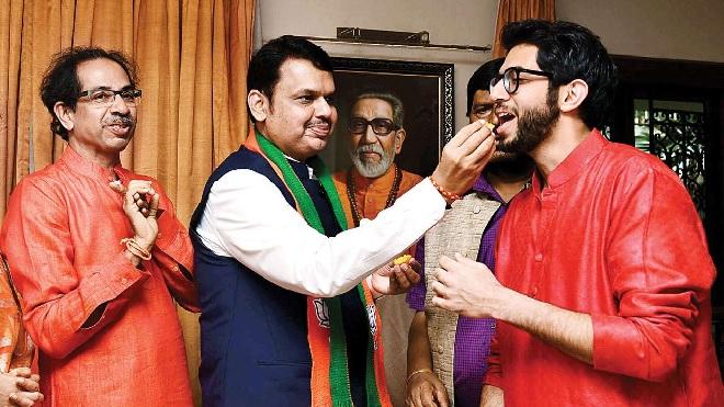 uddhav thackarey and devendra fadnavis inmarathi