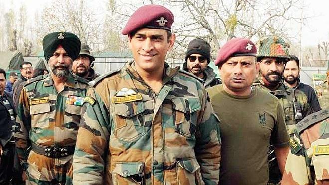 dhoni in army inmarathi