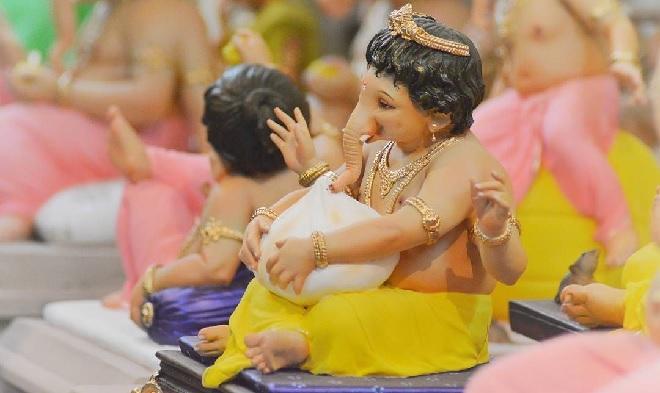 ganpati with modak inmarathi